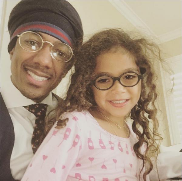 Nick Cannon com sua filha com a cantora Mariah Carey (Foto: Instagram)