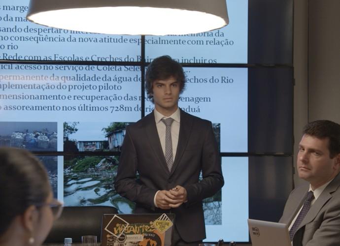 Fabinho apresenta projeto (Foto: TV Globo)