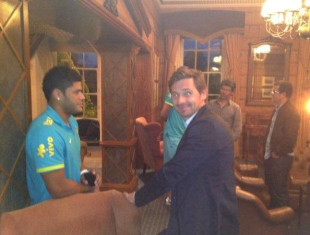 Hulk e André Villas-Boas (Foto: Reprodução / Twitter)