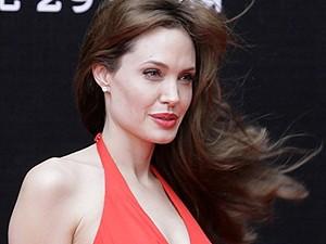 Angelina Jolie lança 'Salt' na Rússia. (Foto: AFP)