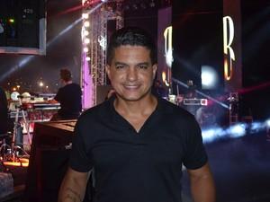 Edu Santiago fala sobre a parceria dele com o cantor Beki (Foto: Marina Fontenele/G1)