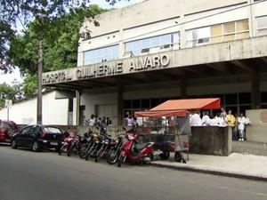 Hospital Guilherme Álvaro, em Santos, SP (Foto: Reprodução/TV Tribuna)