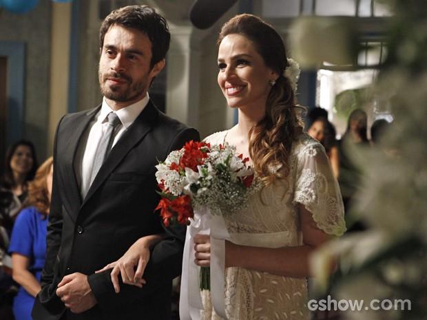 A felicidade de Raissa e João Luiz  (Foto: Inácio Moraes / TV Globo)