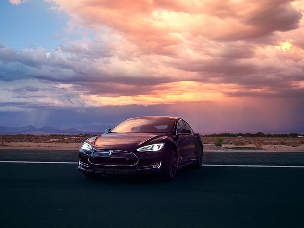 Tesla Model S P85D (Foto: Divulgação)