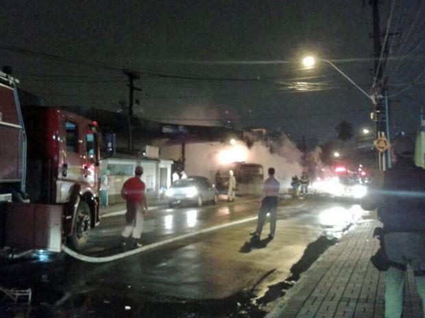 Acidente ocorreu por volta das 9h (Foto: Luna Markman / G1)