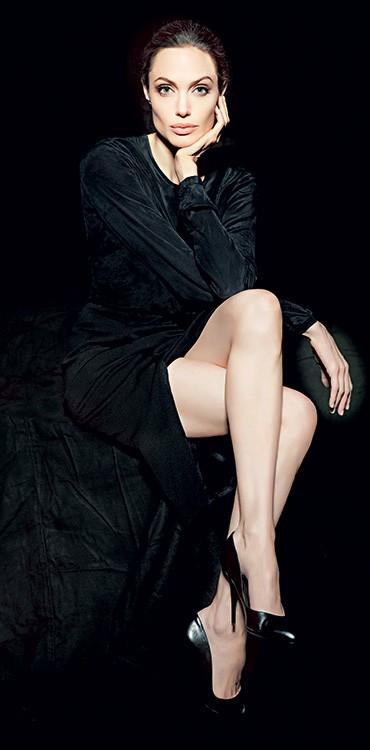 RETORNO Angelina Jolie em 2011. Ela volta às telas depois da militância e da cirurgia (Foto: Sofia Sanchez e Mauro Mongiello/Trunk Archive)
