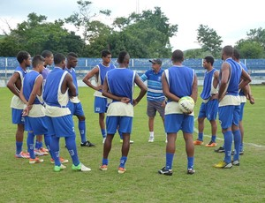 Wilson Leite conversa com o grupo (Foto: Guto Silva/BMFC)
