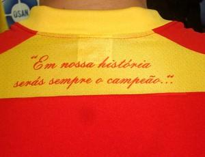 Frase na camisa é destaque no uniforme do Jabaquara (Foto: Bruno Gutierrez/Globoesporte.com)