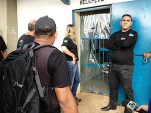 Agentes foram impedidos de assumir plantão em presidio de Porto velho (Foto: Vanessa Vasconcelos/G1)