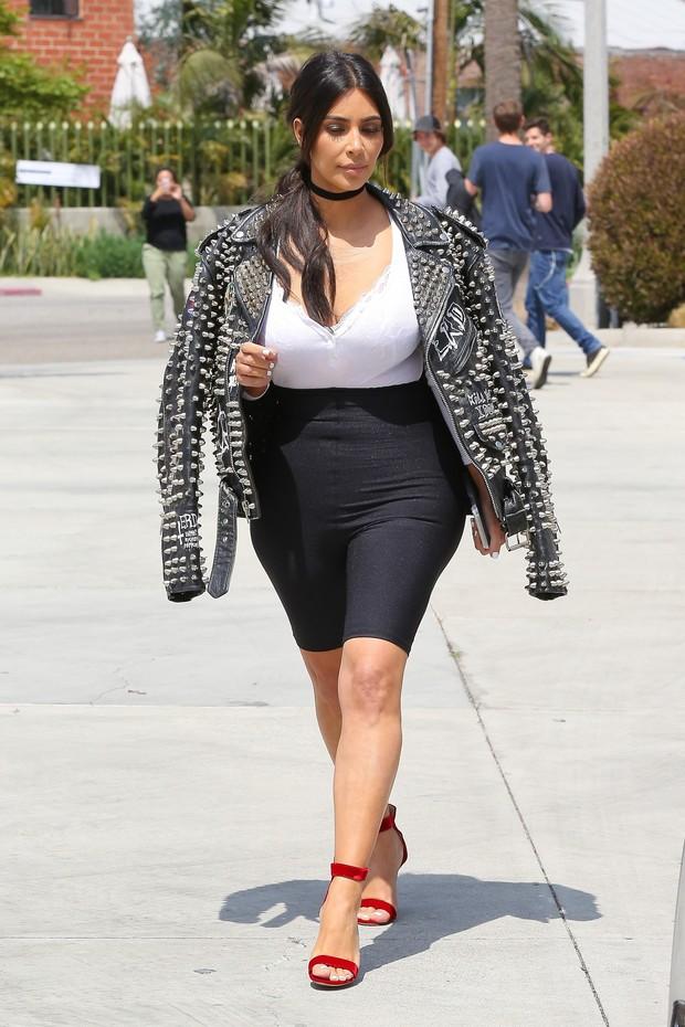Kim Kardashian em Los Angeles, nos Estados Unidos (Foto: AKM-GSI/ Agência)