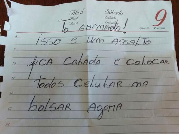Bilhete foi entregue à funcionária de loja em Luís Eduardo Magalhães (Foto: Ivan Gehlen / BlogBraga)