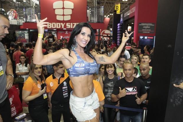 Scheila Carvalho no Arnold Classic (Foto: Isac Luz/EGO)