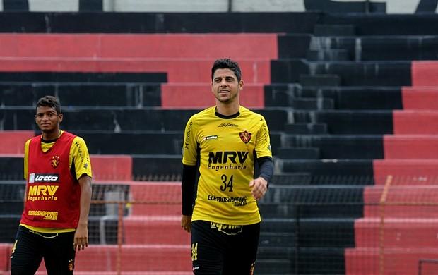 cicinho reinaldo sport (Foto: Aldo Carneiro / Pernambuco Press)