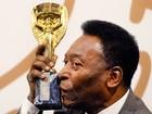 Leilão de mais de 2 mil objetos de Pelé acontece em Londres
