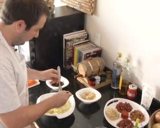 Chef Revista ensina a fazer Batata Roche (Foto: Divulgação Rio Sul Revista)