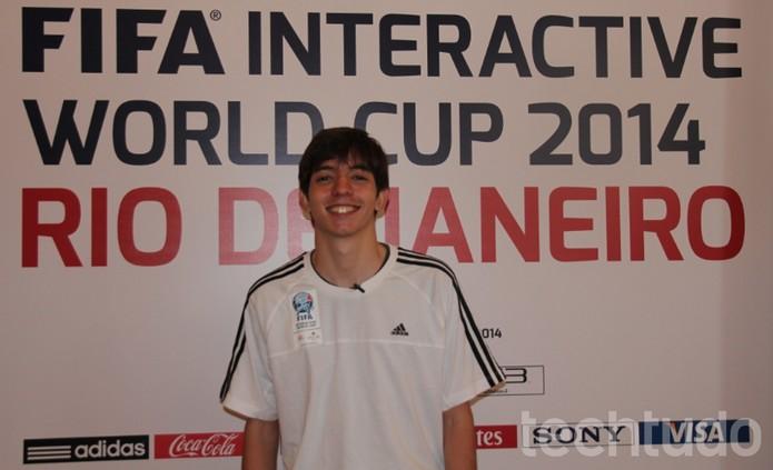 O carioca Rafael Salles Leite Fortes, 18 anos, se sagrou Campeão Nacional da Copa do Mundo Interativa da FIFA 2014. (Foto: Diego Borges / TechTudo)
