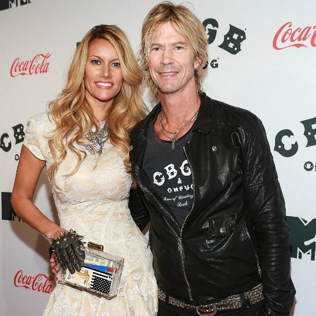 O ex-baixista do Guns N' Roses Duff McKagan se casou com a modelo Susan Holmes em agosto de 1999. (Foto: Getty Images)