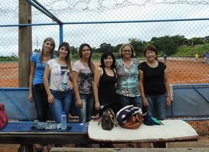 Mulheres fazem bonito do lado de fora e empurram equipes  (Foto: Kawanny Barros / GloboEsporte.com)