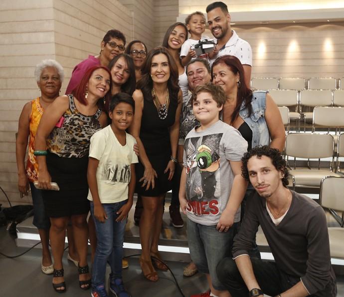 Fátima posou ao lado da plateia  (Foto: Raphael Dias/Gshow)