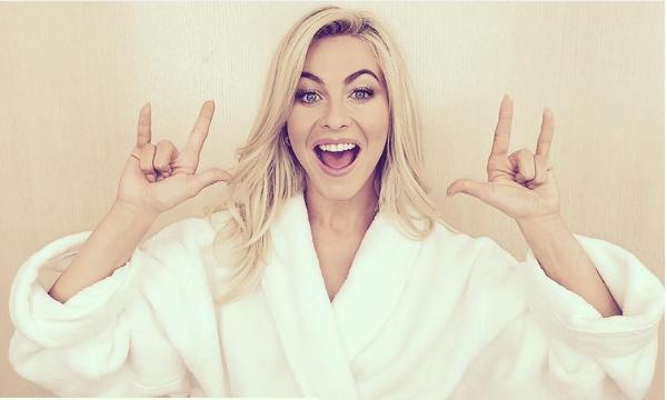 A atriz Julianne Hough (Foto: Instagram)