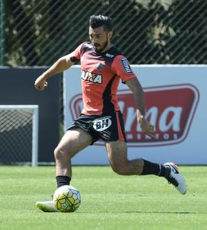 Dátolo em treino do Atlético-MG (Foto: Bruno Cantini/Atlético)