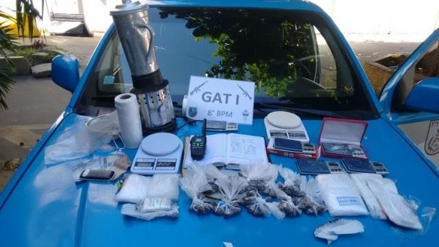 Material estava dentro de uma mochila (Foto: Divulgação/Polícia Militar)