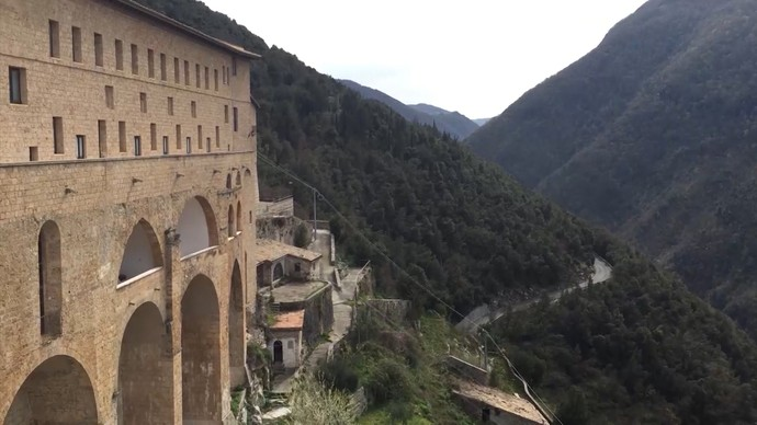 'Bahianation': Mosteiro de São Bento foi construído nas montanhas de Subiaco (Foto: TV Bahia)