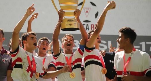 base forte (Igor Amorim / site oficial do São Paulo FC)