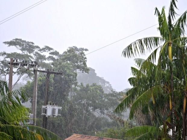 Chuva em Rio Branco (Foto: Caio Fulgêncio/G1)