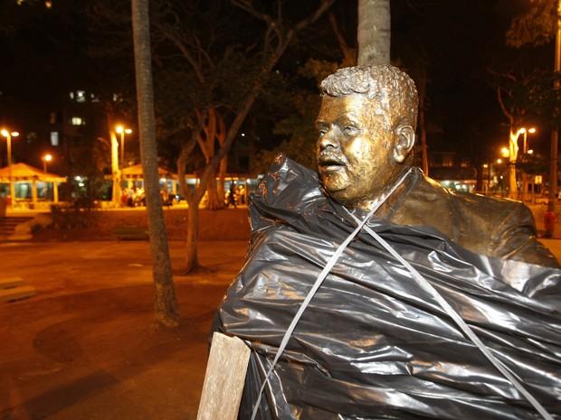 Estátua de Tim Maia na Zona Norte do Rio aguarda inauguração (Foto: ERNESTO CARRIÇO/AGÊNCIA O DIA/ESTADÃO CONTEÚDO)