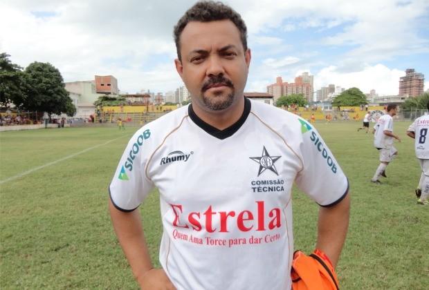 Paulo Ferreira, técnico do Estrela do Norte (Foto: Richard Pinheiro)