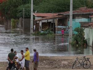 Várias ruas da cidade ficaram alagadas (Foto: Divulgação/Prefeitura de Riachão do Jacuípe)