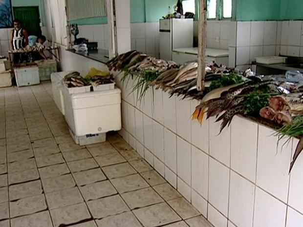 Peixaria de Colatina, no Espírito Santo, relata prejuízo (Foto: Reprodução/ TV Gazeta)