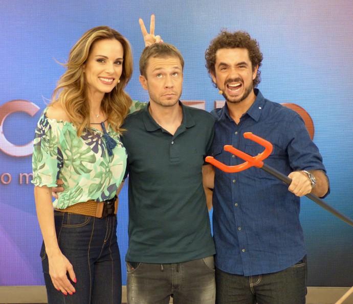 Ana Furtado, Tiago Leifert e Felipe Andreoli posam descontraídos (Foto: Cristina Cople/Gshow)