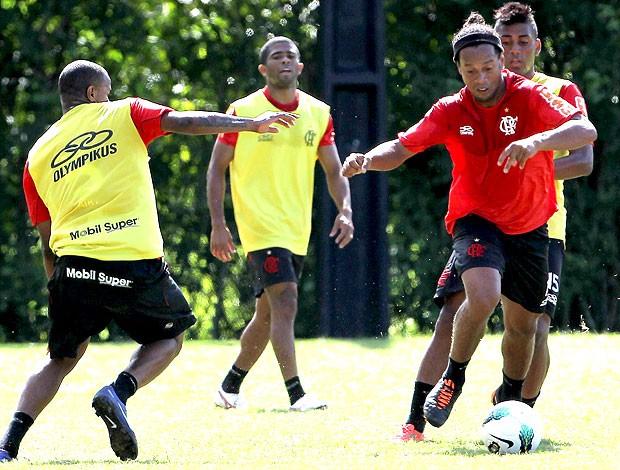 Ronaldinho Gaúcho no treino do Flamengo (Foto: Jorge William / Ag. O Globo)