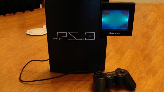 O Mini PolyStation 3 é uma das mais bizarras imitações em relação a jogos (Foto: Reprodução/Oobject)