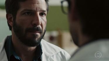 Rafael se oferece para testemunhar a favor de Evandro