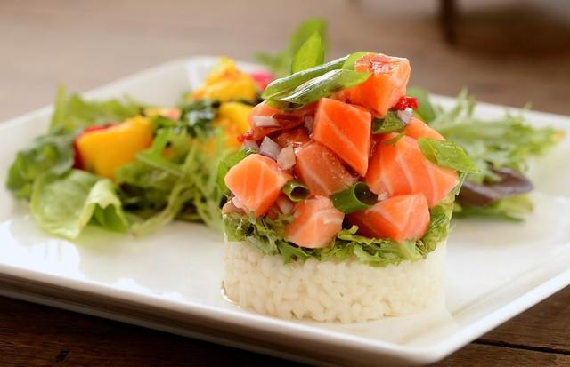 Poke de salmão (Foto: Divulgação)