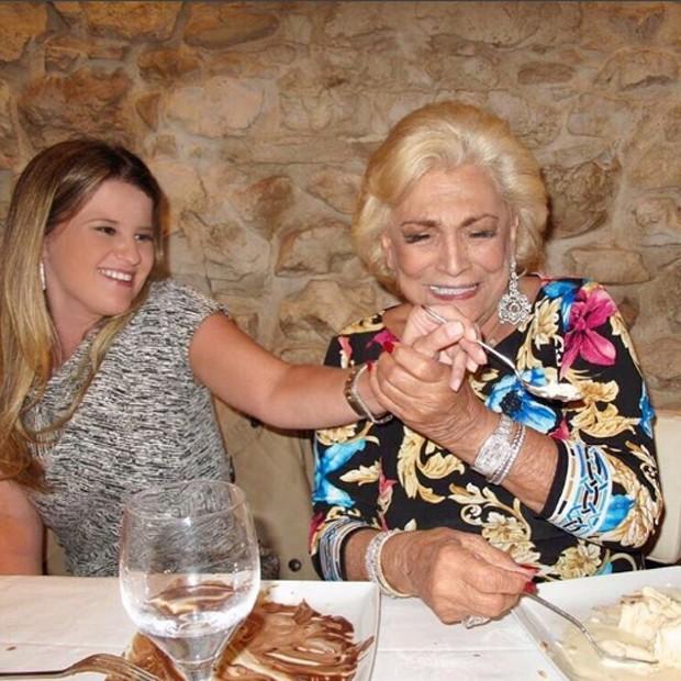 Hebe Camargo e Helena Caio, mulher de Claudio Pessutti, sobrinho da apresentadora (Foto: Reprodução/Instagram)