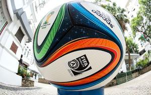 Bola oficial da Copa do Mundo no Brasil foi lançada há 16 dias em evento no  Rio 61d47c43e03f9