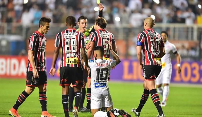 Lugano e Gabriel Santos X São Paulo (Foto: Marcos Ribolli)