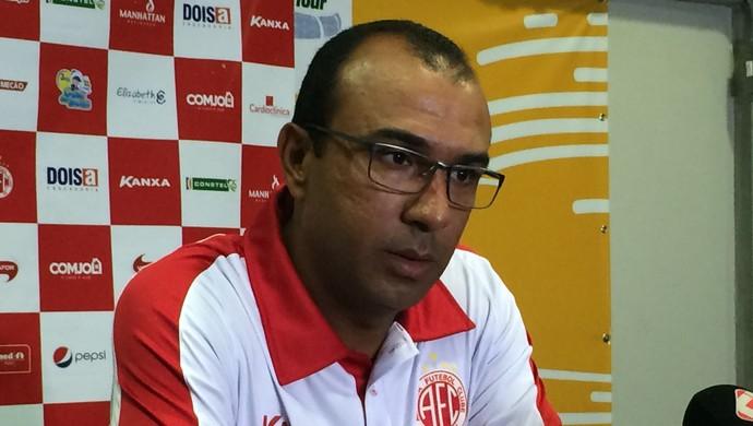 América-RN - Felipe Surian, técnico (Foto: Augusto Gomes/GloboEsporte.com)