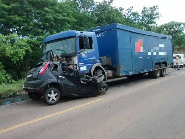 Acidente provocou a morte de um jovem de 18 anos na rodovia entre Palmas e Paraíso do Tocantins (Foto: Joabe Silva/Divulgação)