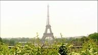 Por que Paris fascina tanto turistas de todo o mundo?