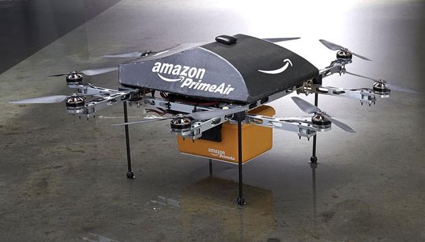 Drone da Amazon pode entregar compras em até 30 minutos, desde que elas pesem  até 2,6 quilos e que o cliente esteja a 16 quilômetros de distância do ponto de decolagem (Foto: Reuters)