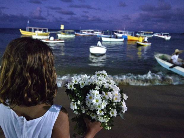 Flores estão entre os presentes que mais são oferecidos a Iemanjá. (Foto: Max Haack/Ag. Haack)