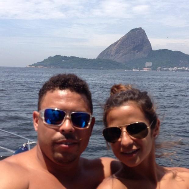 Ronaldo posta foto com a namorada, Paula Morais (Foto: Instagram / Reprodução)