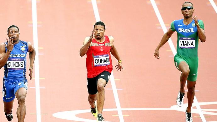 Sandro Viana na prova dos 200m em Londres (Foto: EFE)