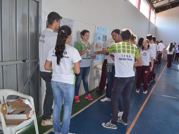 Cerca de 400 estudantes participam de projeto em Cacoal (Foto: Magda Oliveira/G1)