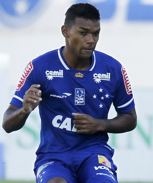 Bruno Viana Cruzeiro na partida contra o Boa (Foto: Washington Alves/ Light Press)
